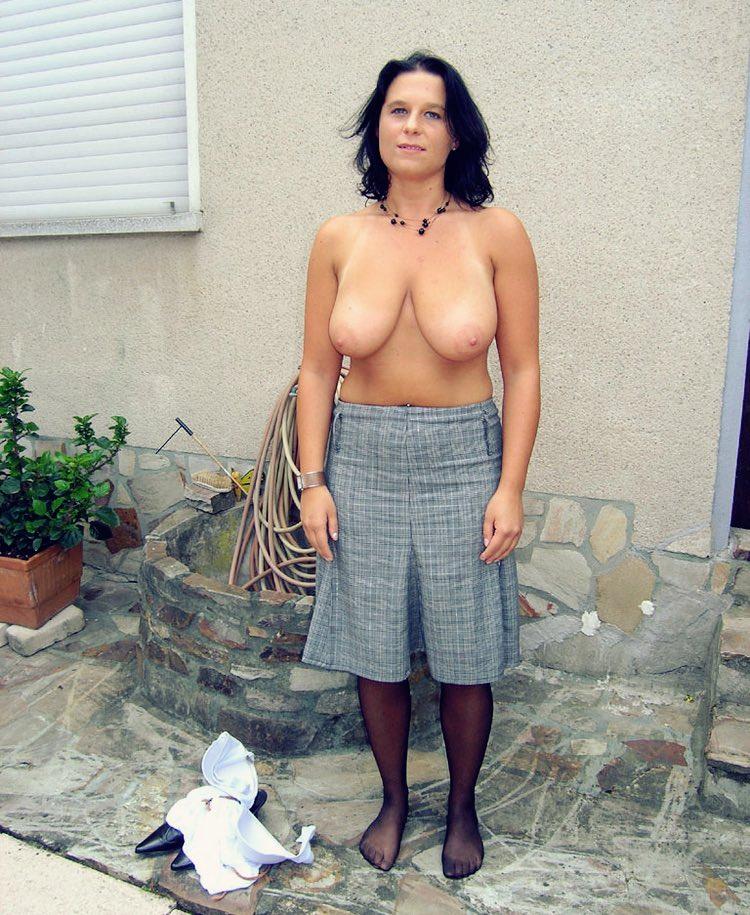 Les gros nibards lourds de Adeline Cougar