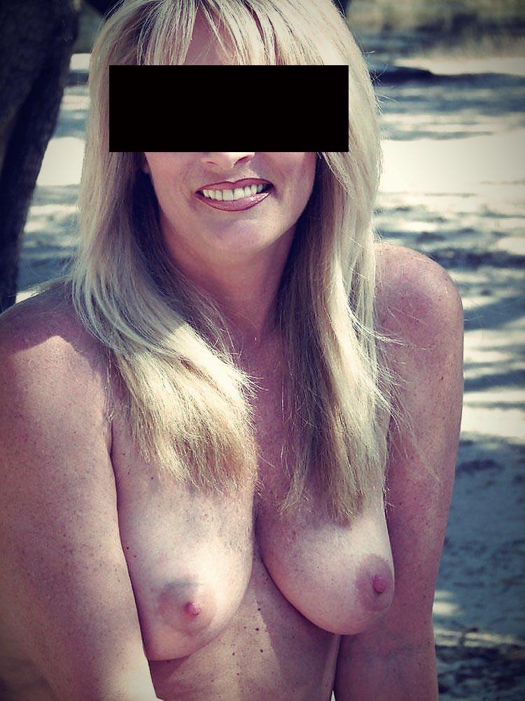 Une cougar sexy cherche un divertissment sexuel